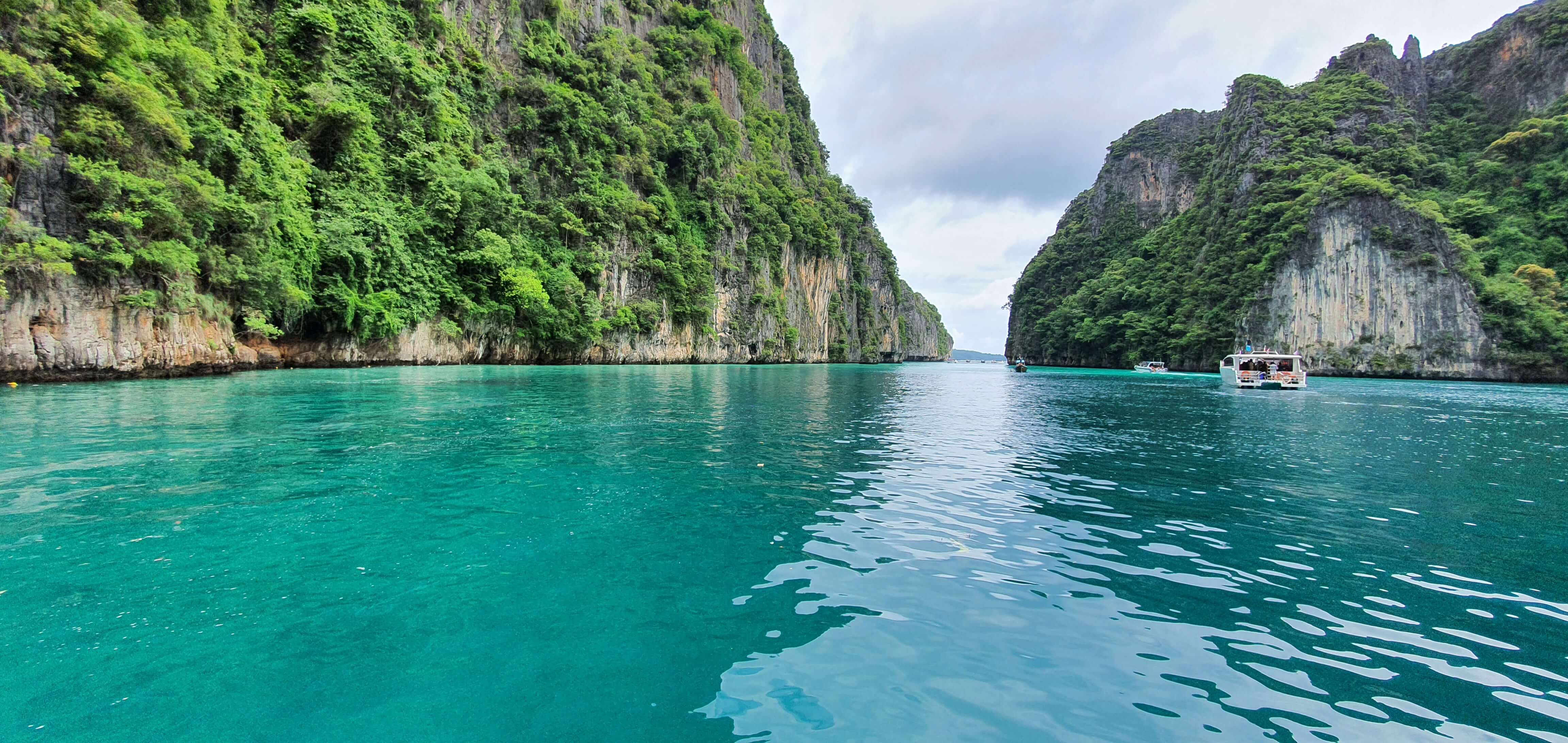 Phi Phi island 1 Day Trip Gallery